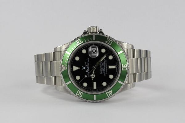 Rolex Submariner Rehaut Random 16610LV